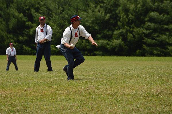 baseman catching